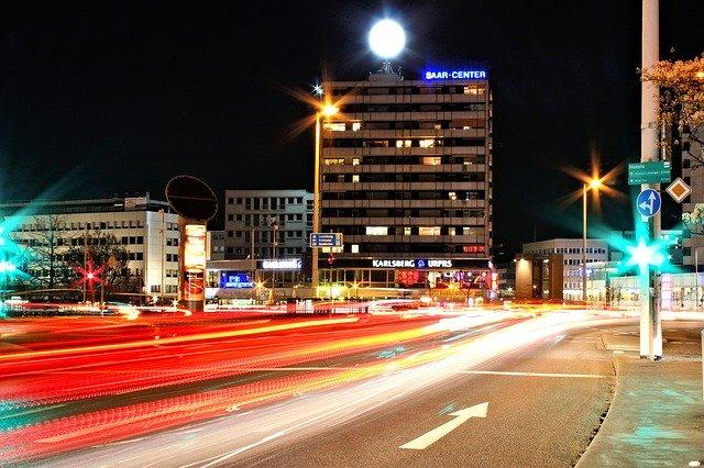 Blick auf das Saarcenter in Saarbrücken