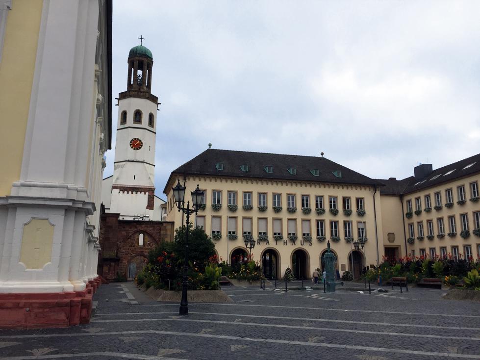 Blick auf das Rathaus in Frankenthal